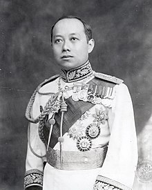 220px-King_Vajiravudh_(Rama_VI)_of_Siam_uncropped.jpg