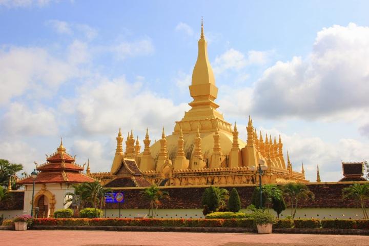 Estupa-Pha-That-Luang.JPG