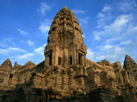 glenn-beanland-tower-in-central-structure-of-angkor-wat-angkor-siem-reap-cambodia