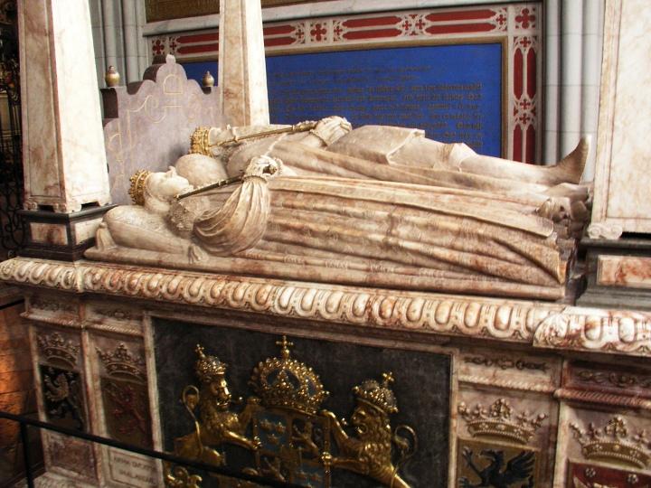 Uppsala_domkyrka_tomb_Gustav_Vasa01.jpg