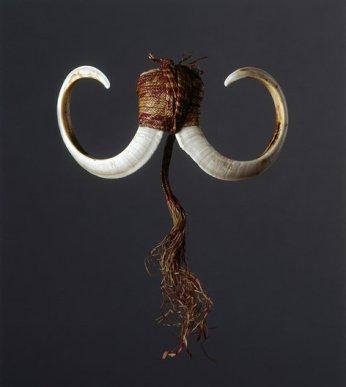 ambrym-island-plaited-fibre-bound-double-boars-tusk-pendant-ornament