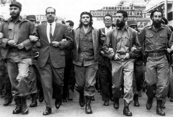 Castro-and-Guevara-Marching.jpg