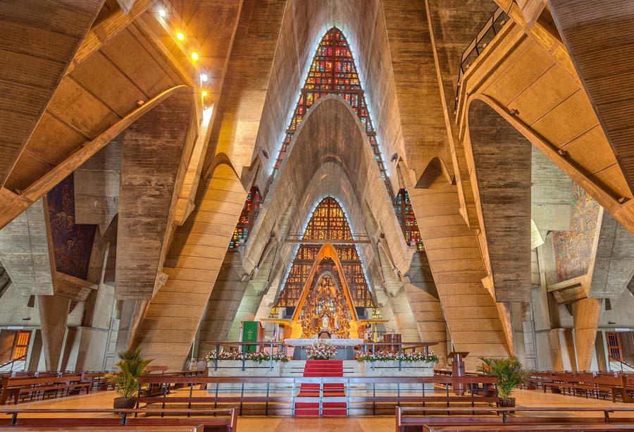 interior-basilica-de-higuey.jpg