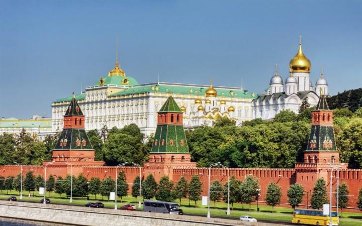moscow-kremlin-view.jpg